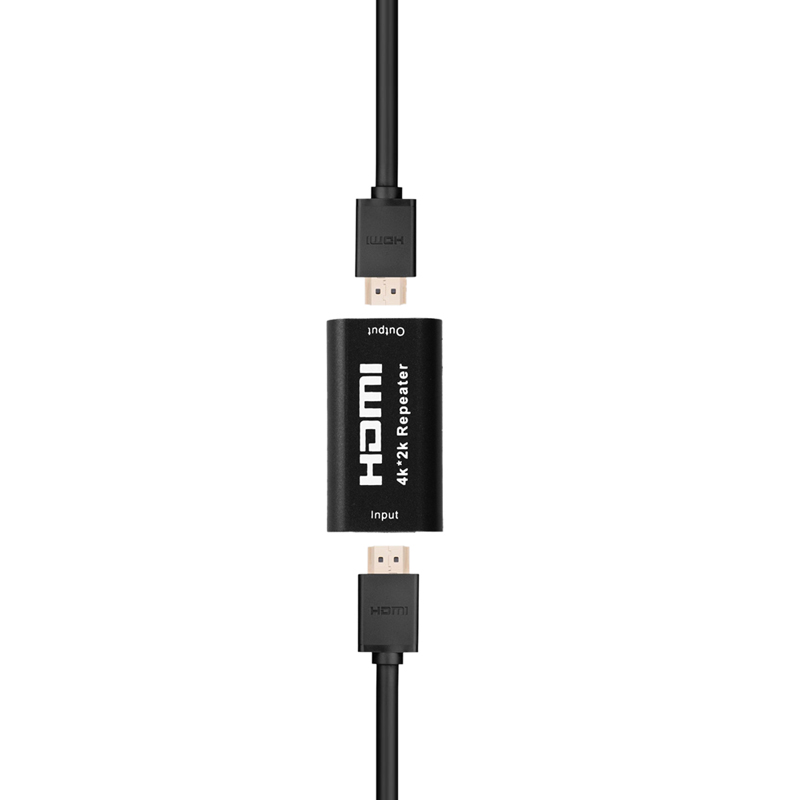 mobidick_hdmi_repeater_4K_001_and 2 black cables.jpg